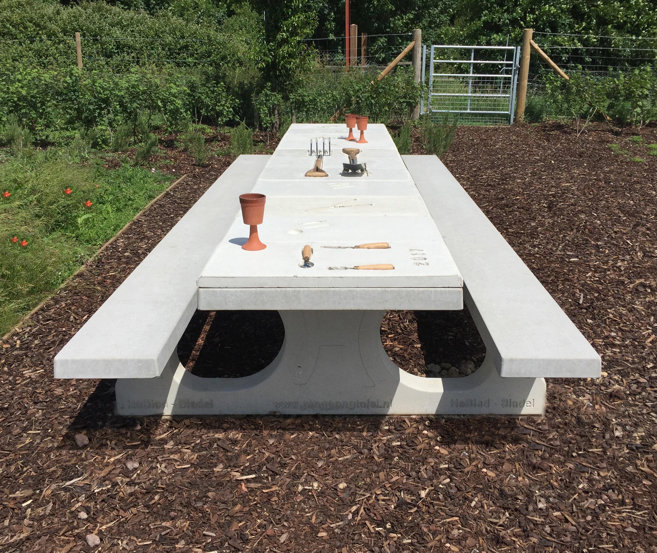 Bespoke-Concrete-Table1