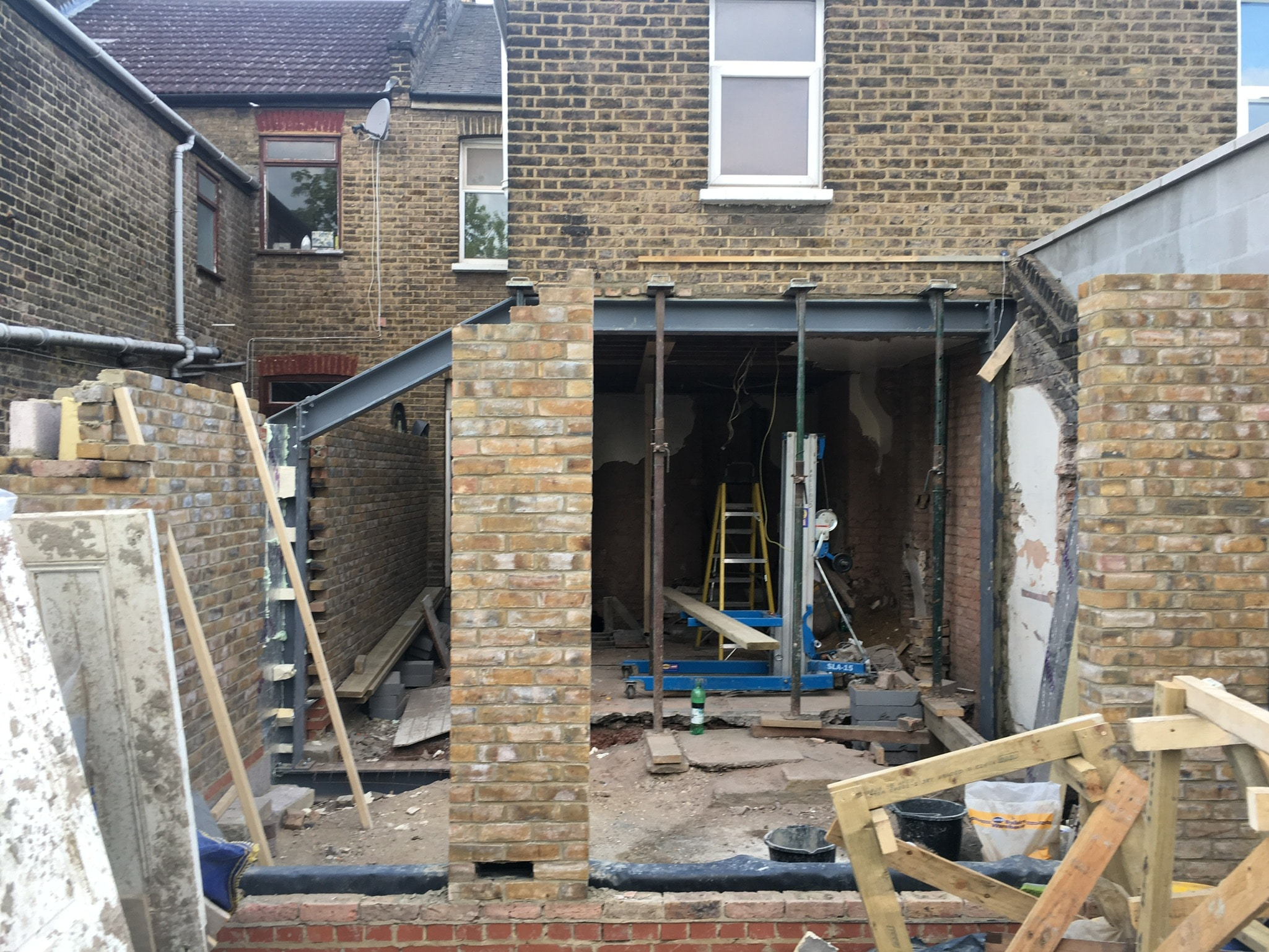 Brickwork for full width rear extension