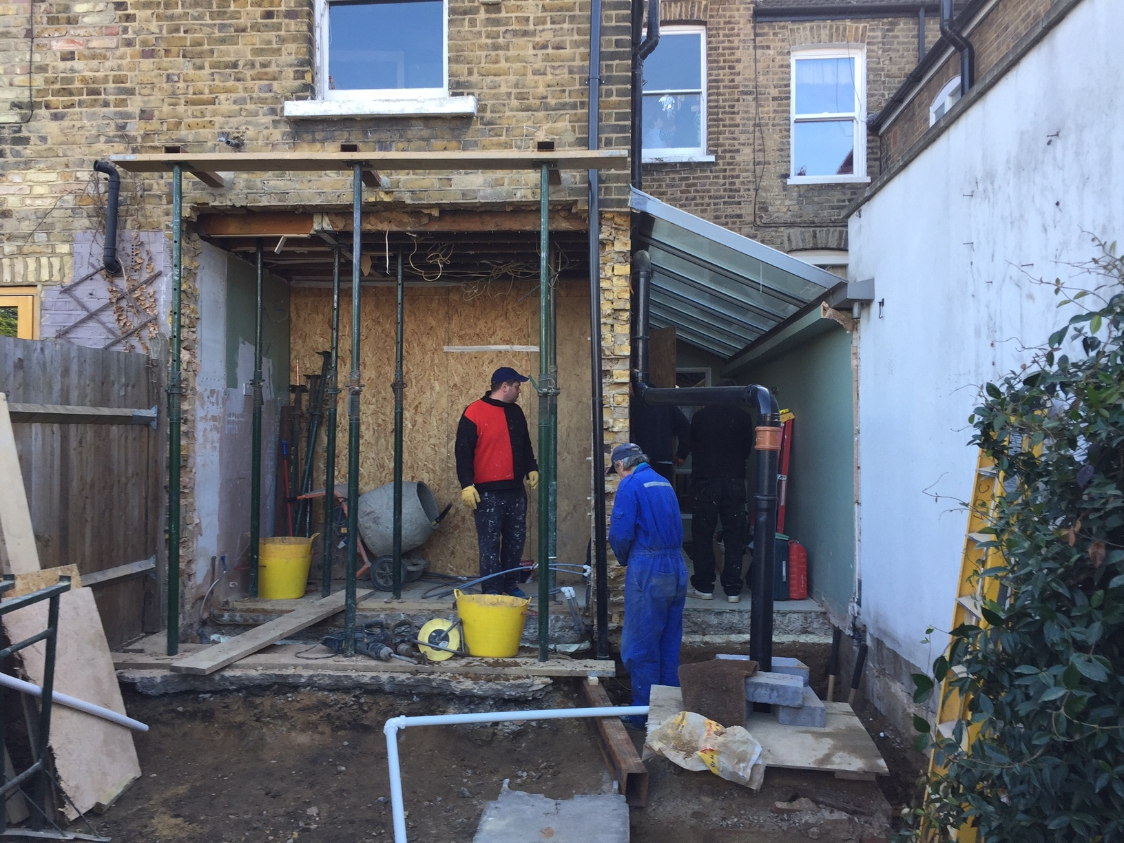 Building side infill extension